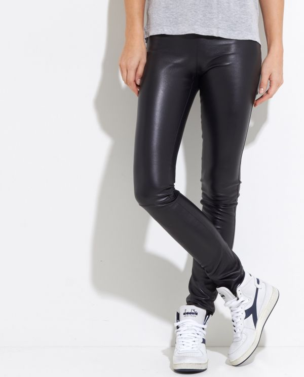 Mid-rise stretch leather legging