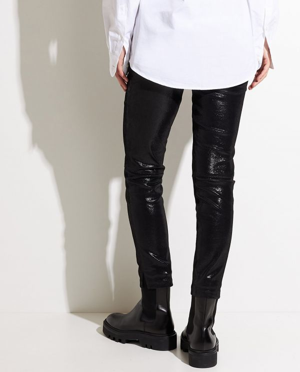 Leather legging with shimmering finish