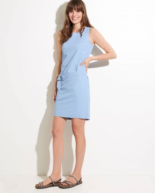 Sleeveless dress with stretch
