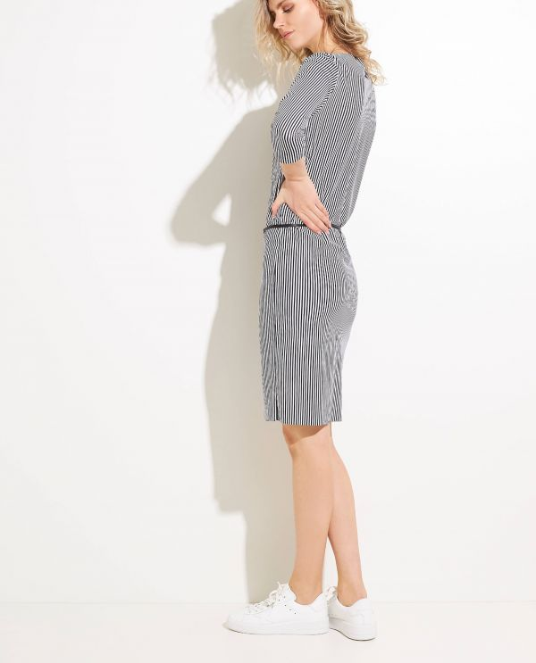 Lightweight stretch dress