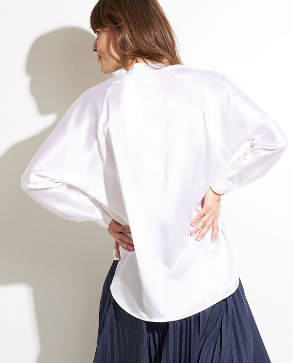 Band collar blouse in silk