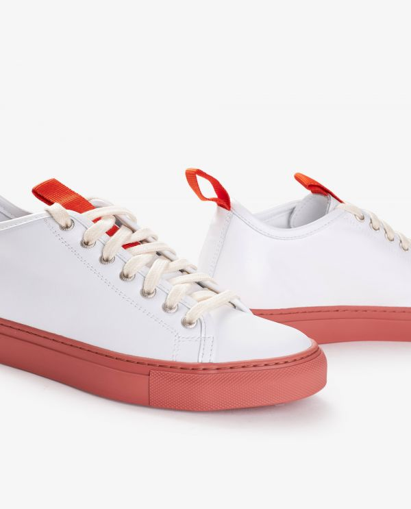 Fast sneakers with straps