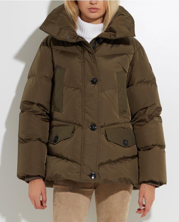 woolrich-logo-jacket